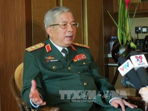 阮志咏上将:越南人民军一边执行国防任务,一边努力为国家经济社会发展做出贡献 hinh anh 1