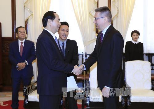 陈大光会见芬兰和希腊驻越大使 hinh anh 1