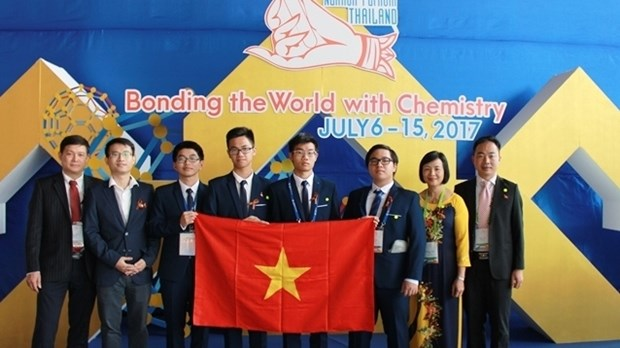 越南学生在2017年国际化学奥林匹克竞赛中获得有史以来最佳成绩 hinh anh 1