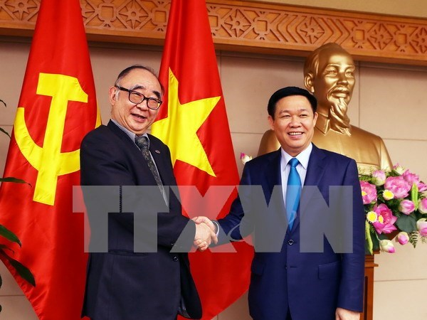越南政府副总理王廷惠: 为东盟经济共同体寻找合适的发展方向 hinh anh 1