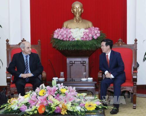 意大利共产党代表团访问越南 hinh anh 1