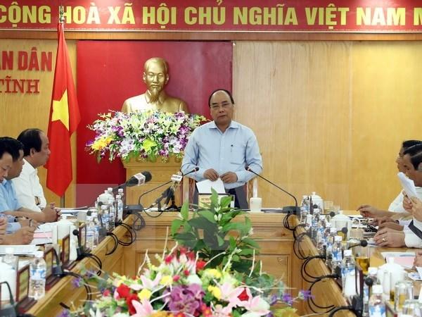 越南政府总理阮春福视察台塑河静钢铁厂废水处理设施和生产线 hinh anh 1