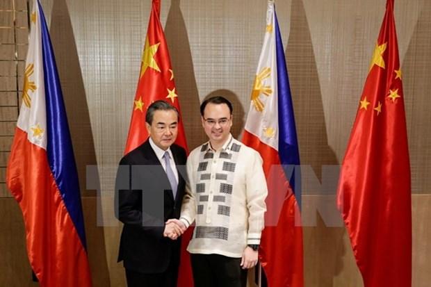 中国外长王毅访问菲律宾 hinh anh 1