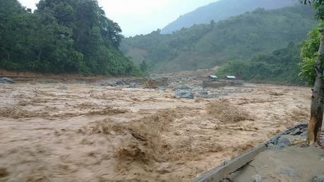 越南希望中方为广西梧州洪水中死亡的越南公民做好善后工作 hinh anh 1