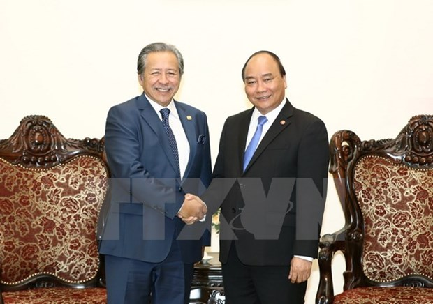 政府总理阮春福会见马来西亚外交部长阿尼法•阿曼 hinh anh 1