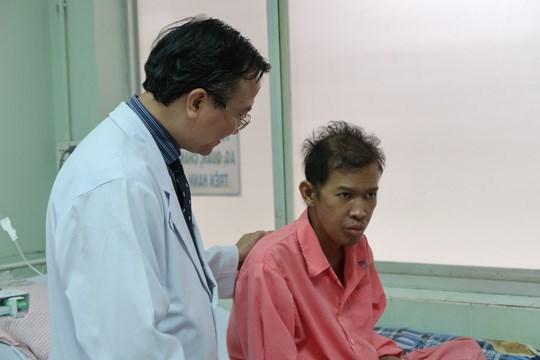 越南胡志明市大水镬医院及时救治一名系统性红斑狼疮柬埔寨籍患者 hinh anh 1