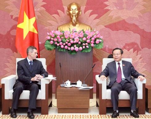 越南国会副主席冯国显会见福特集团东盟地区总裁马克·考菲曼 hinh anh 1