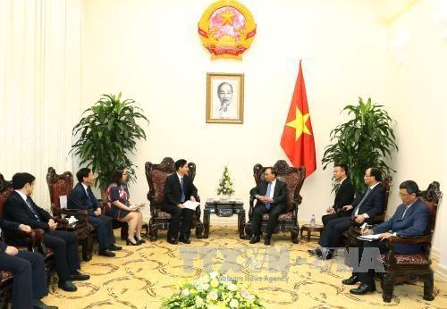 越南政府总理阮春福会见中国企业领导 hinh anh 2
