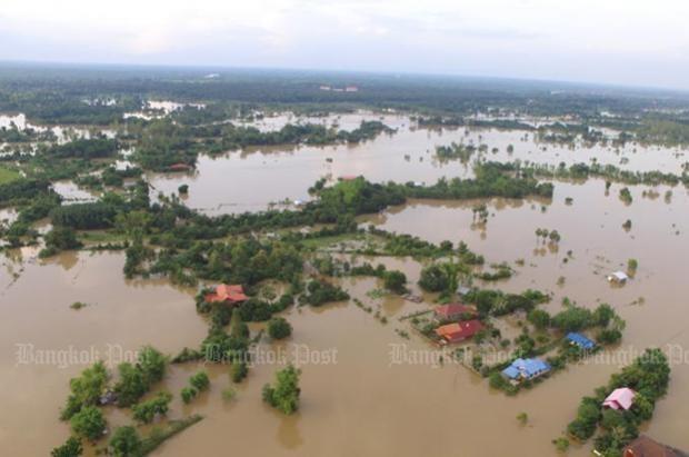 泰国东北各省遭遇40年来规模最大洪灾 旅泰越南人经济损失巨大 hinh anh 1