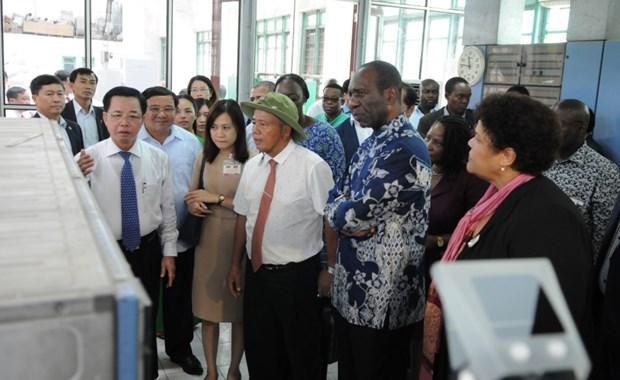 莫桑比克总理多罗萨里奥访问太平省 hinh anh 1