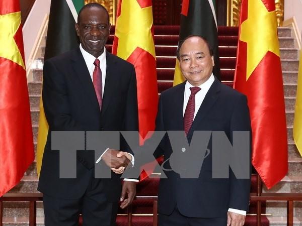 莫桑比克总理多罗萨里奥圆满结束对越南的正式访问之行 hinh anh 1