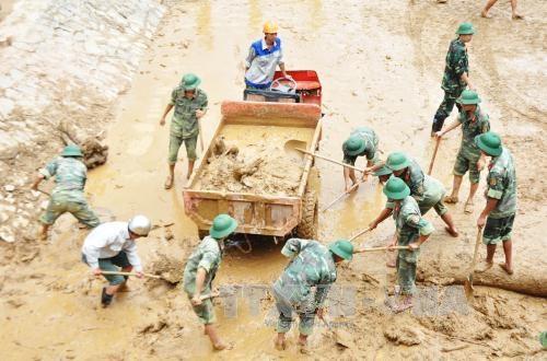 越南北部暴雨洪灾造成26人死亡 15人失踪 经济损失达 9400亿越盾 hinh anh 1
