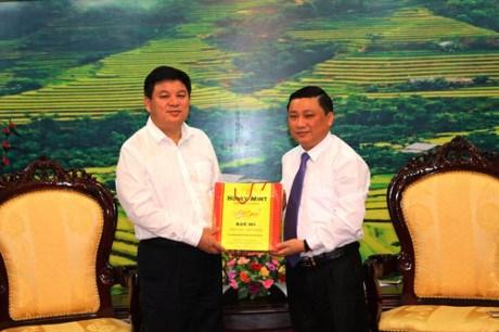 越南河江省与中国广西百色市加强跨境劳务管理合作 hinh anh 1