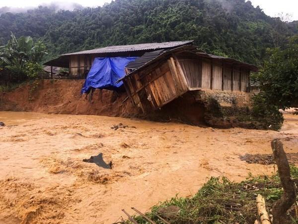 老挝总理通论·西苏里向越南政府总理致慰问电 hinh anh 1