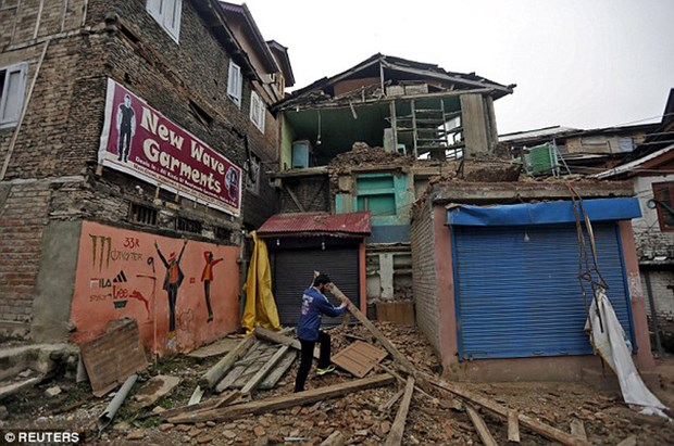 印尼明古鲁省发生6.6级地震 hinh anh 2