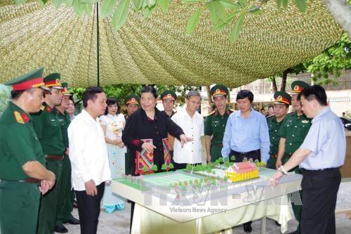 丛氏放探访和平省的老挝人民党第二次全国代表大会预备会历史遗址 hinh anh 2