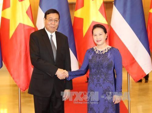 越南国会主席阮氏金银与泰国国家立法议会议长蓬佩举行会谈 hinh anh 2