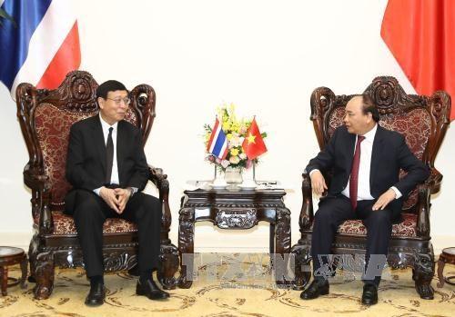 越南政府总理阮春福会见泰国立法议会议长蓬佩 hinh anh 1