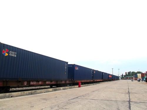 中国广州至越南安园国际铁路集装箱联运班列开通 hinh anh 1