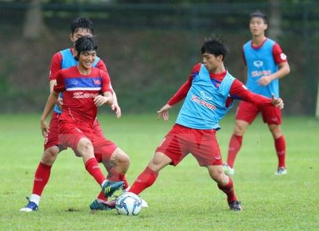 第29届东南亚运动会:越南球迷期望越南U22男子足球队取得开门红 hinh anh 1