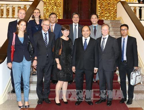 阮春福总理会见比利时、欧盟和德国驻越大使和临时代办 hinh anh 1