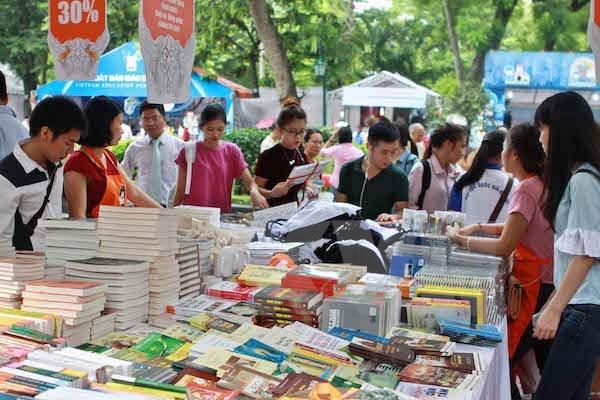 2017年第六次越南国际图书博览会将吸引66家出版发行单位参加 hinh anh 1