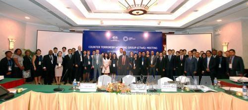 APEC SOM 3: 反恐工作组会议强调航空安全等问题 hinh anh 2