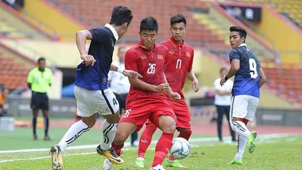 第29届东运会:越南男足队和女足队分别4-1和3-0击败柬男足队和菲女足队 hinh anh 1