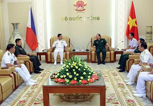 加强越南与菲律宾海军的双边合作关系 hinh anh 1