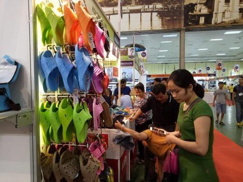 2017年泰国顶级品牌商品展在河内举行 hinh anh 1