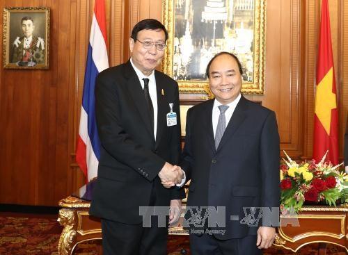 越南政府总理阮春福会见泰国枢密院主席和国家立法议会主席 hinh anh 2