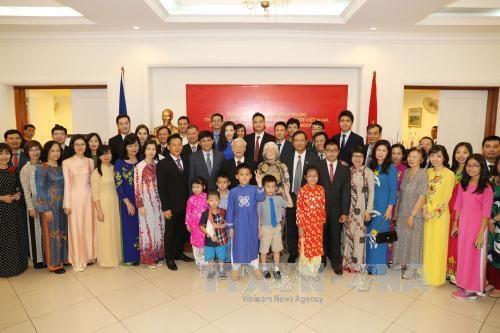 阮富仲总书记会见印尼国会议长塞特亚·诺凡多 探访越南驻印尼大使馆 hinh anh 2