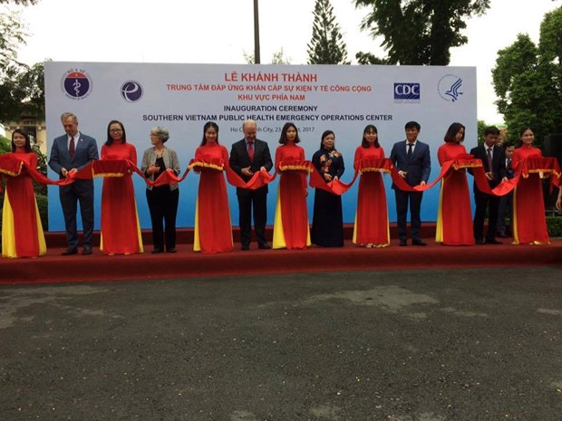 越南南部公共卫生事件应急处理中心正式揭牌成立 hinh anh 1