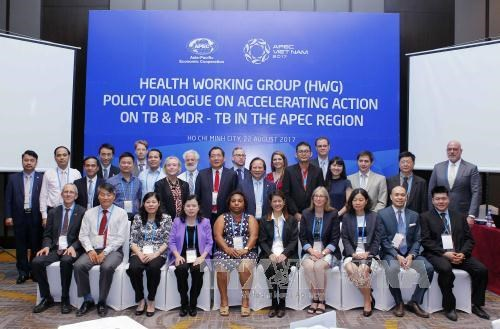 2017年APEC会议:APEC第三次高官会及相关会议进入第五天 聚焦讨论医疗卫生政策 hinh anh 1