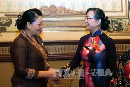 胡志明市与老挝万象加强人民议会的合作 hinh anh 1