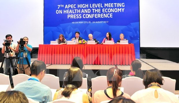 2017年APEC第三次高官会进入第七天 各项活动成果显著 hinh anh 1