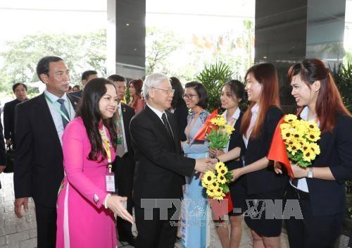 越共中央总书记阮富仲造访越南驻缅大使馆 hinh anh 1
