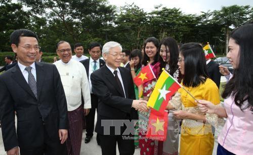 越共中央总书记阮富仲圆满结束访问印度尼西亚和缅甸之旅 hinh anh 1