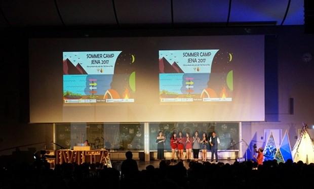 德国越南学生协会举行多项活动 纪念成立5周年 hinh anh 1