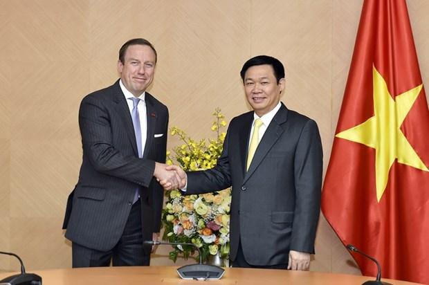 越南政府副总理王廷惠会见越南欧洲商会主席 hinh anh 1