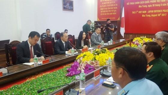 第五次越日防务政策对话在越南庆和省召开 hinh anh 3