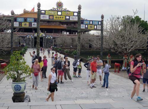 九二国庆日:承天顺化省顺化古都遗迹区接待游客量2.5万人次 hinh anh 1