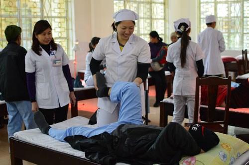日本志愿者为增进越日两国友谊做出贡献 hinh anh 1