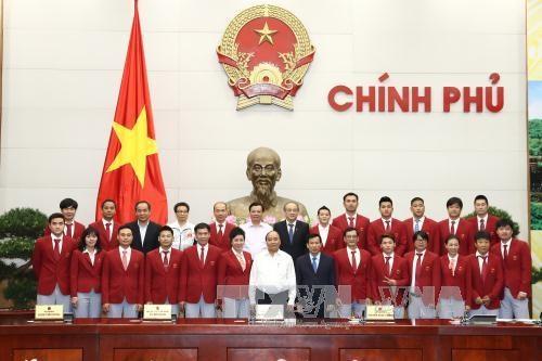 政府总理阮春福会见第29届东南亚运动会越南体育代表团各成员 hinh anh 1