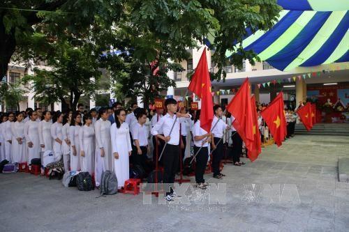 越南全国近2000万名学生和大学生进入2017—2018新学年 hinh anh 3