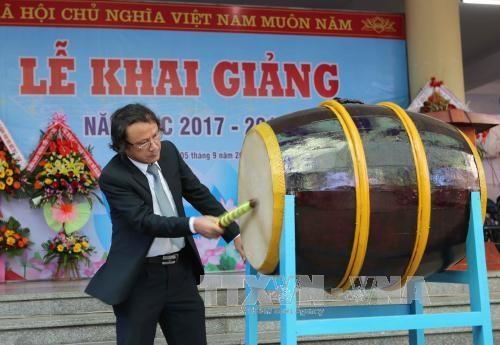 越南全国近2000万名学生和大学生进入2017—2018新学年 hinh anh 2