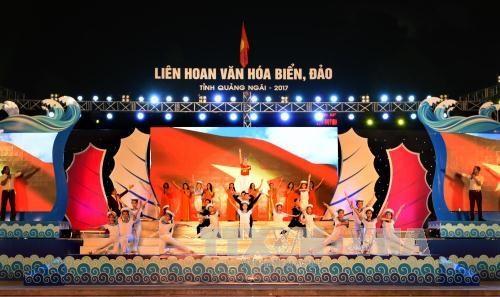 2017年广义省海洋岛屿文化周落下帷幕 hinh anh 1