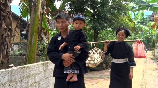 """越南北部山区高平省岱依族和侬族人过七月十五及""""回娘家""""的习俗 hinh anh 1"""