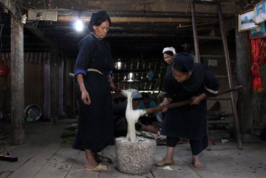 """越南北部山区高平省岱依族和侬族人过七月十五及""""回娘家""""的习俗 hinh anh 2"""