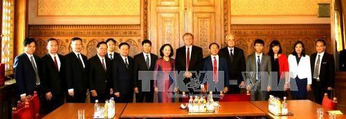 进一步加强越南共产党与匈牙利社会党的关系 hinh anh 1